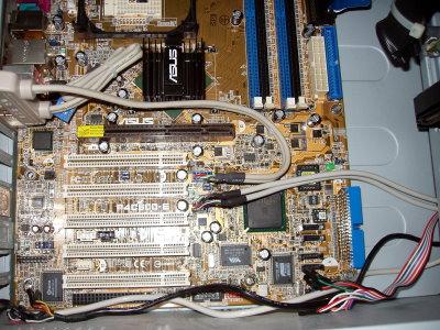 Mainboard Einbau USB anschließen