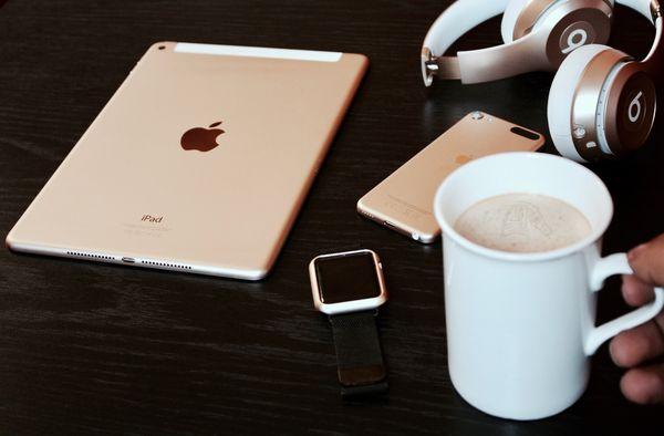 iPad auf dem Schreibtisch
