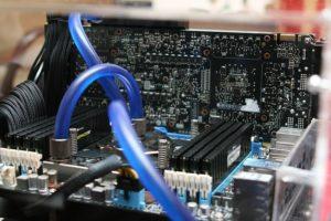 Mainboard und andere Hardware eines Computer