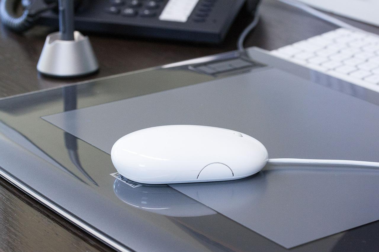 Grafiktablett am Computer angeschlossen
