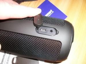Anschluesse Micro-USB und AUX