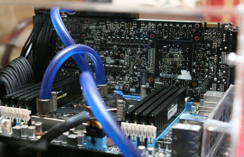 Mainboard Prozessor und Wasserkühlung