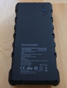 RAVPower Solar Powerbank Rückseite mit Daten