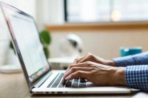 Forex-Trading im Jahr 2019: Desktop-PC oder Laptop