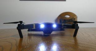 Eachine E58 Drohne Frontscheinwerfer eingeschaltet