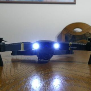 DroneX Pro Test: Wie die originale Drohne Eachine E58 missbraucht wird
