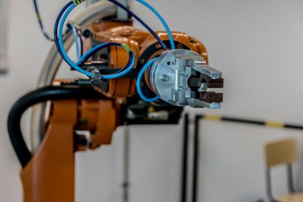 Industrie Roboterarm mit Greifwerkzeug