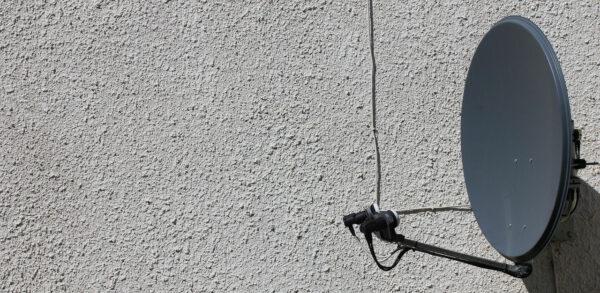Fernsehempfang über SAT Receiver und Antenne
