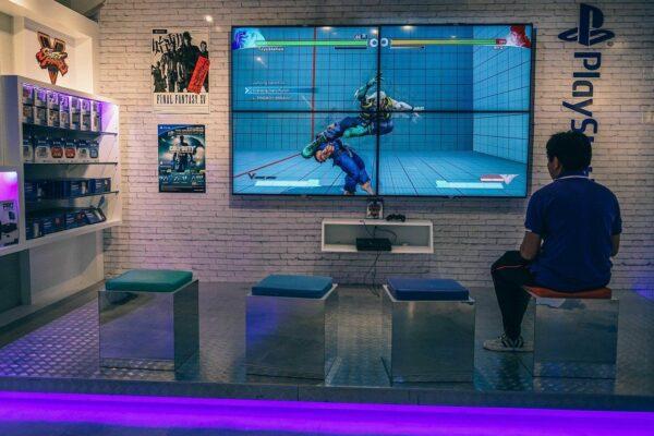 Gutes Licht und toller Sound im Gaming Zimmer