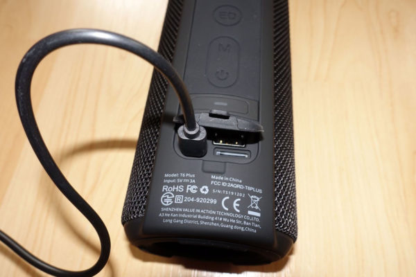 Anschlüsse am Tronsmart T6 Plus Bluetooth Lautsprecher