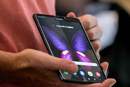 Tablet-Handy: Samsung Galaxy Fold mit 5G by verchmarco, on Flickr