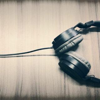 Kopfhörer mit Bluetooth oder mit Kabel – Unterschiede im Klang?
