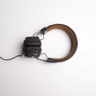 Störungen der Umgebung durch Kopfhörer vermeiden