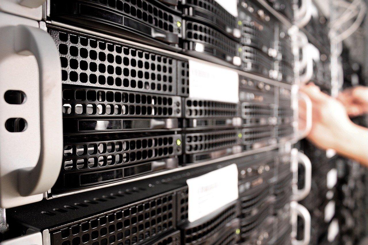 Server mit ausreichender Leistung für das Web-Hosting