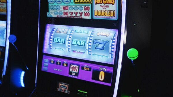 Slot mit drei Walzen eines Spielautomaten