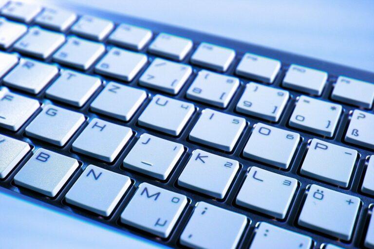 Kabelgebunden oder Wireless-Tastatur