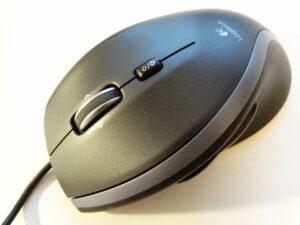 PC-Maus mit Kabel