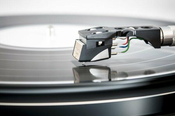 Plattenspieler, Schallplatte, Nadel