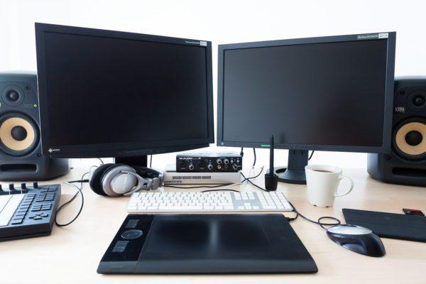 Sicheres Verpacken von PC, Bildschirm und Drucker