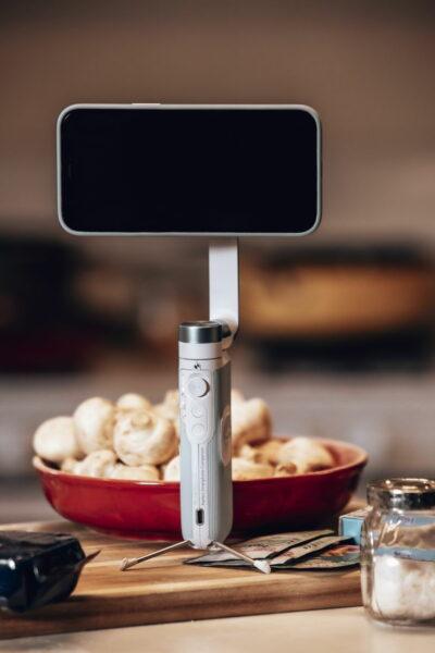 Powervision S1 ist der weltweit kleinste 3-Achsen Smartphone Gimbal